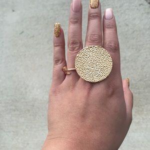 NEW Gold tone circle ring
